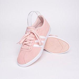 Adidas Women's VI Court 2.0 Sneaker Size 7